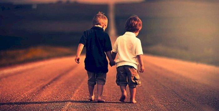 Bid'at Ehliyle Arkadaşlık, Kâfirle Arkadaş Olmaktan Fenâdır!