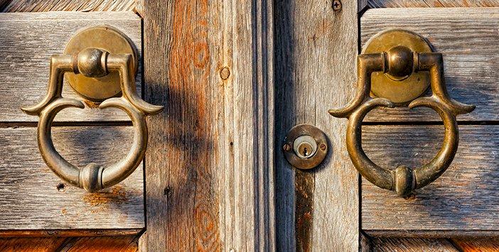 1 Kapımı Kapattılar, Allah Bana 100 Kapı Açtı